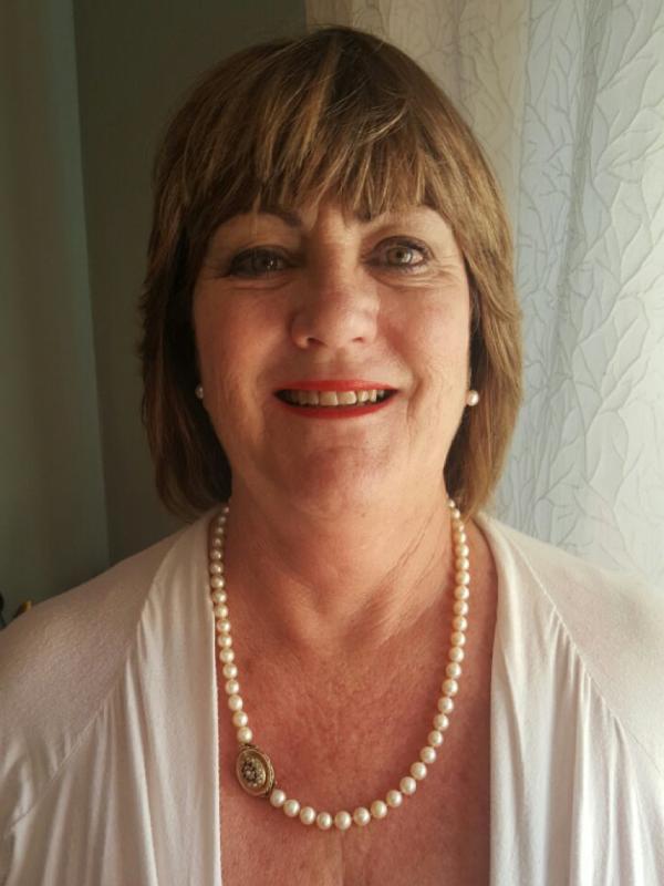Julie Rathbone